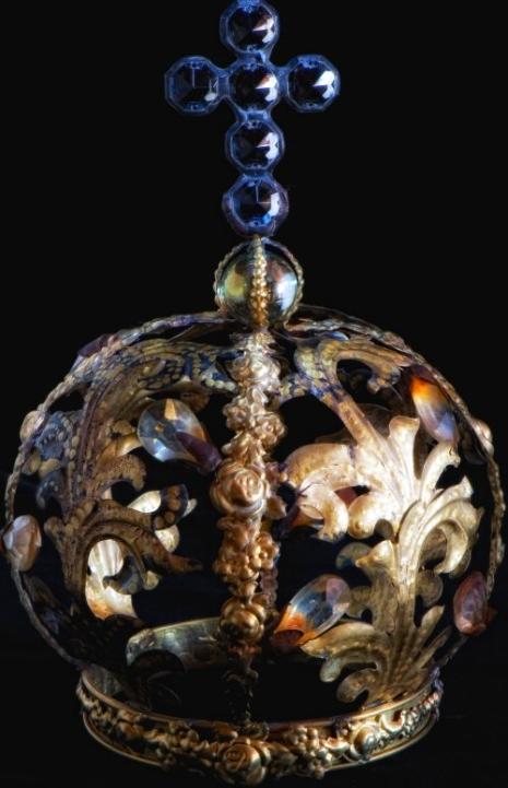 Rebecca's Crown.1rs